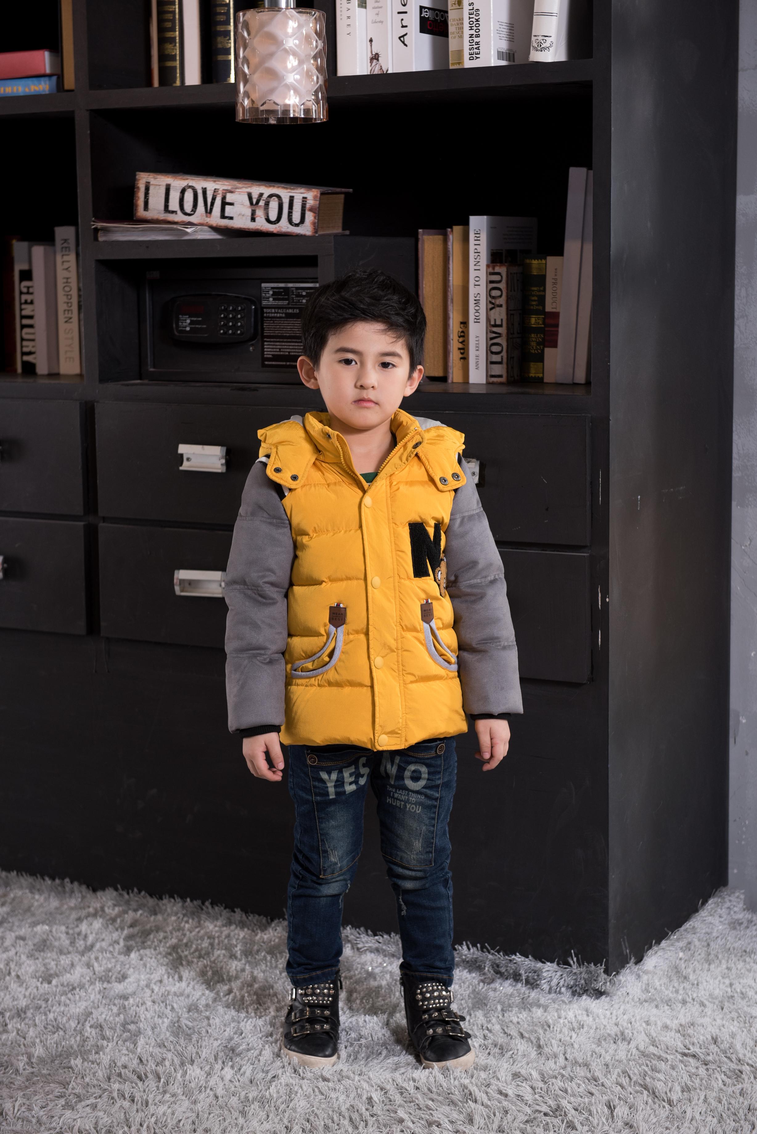 呢大衣外套--童装灰黄色