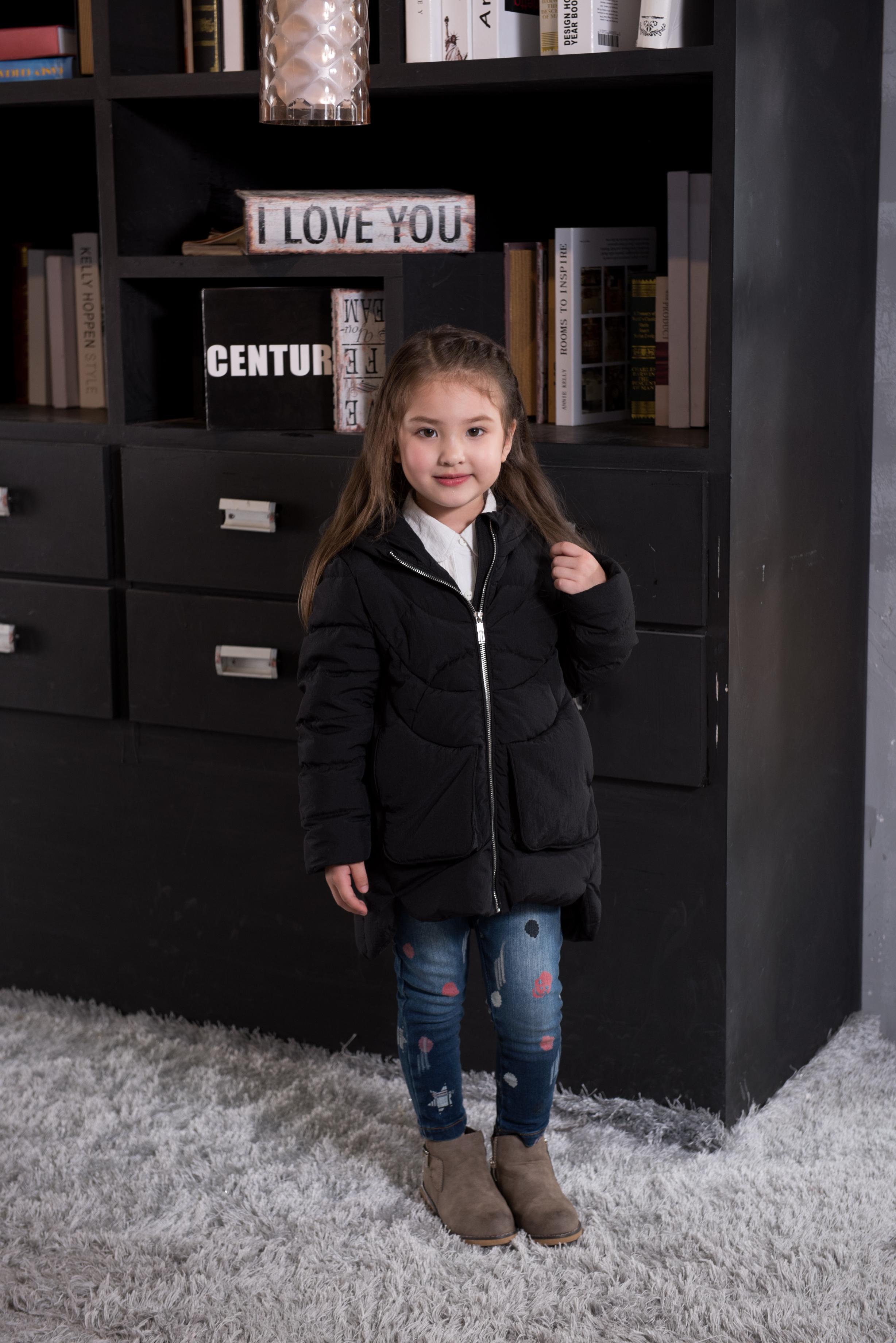 童装羽绒外套--黑色