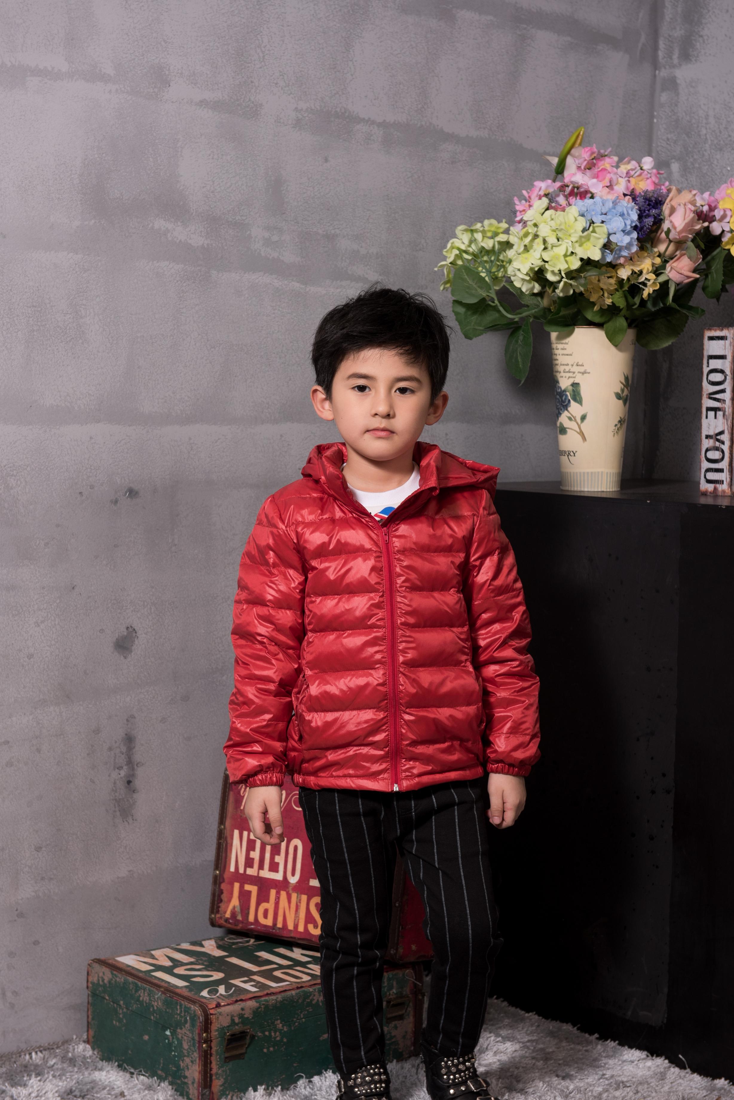 童装羽绒外套--枣红色