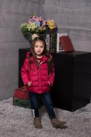 童装羽绒外套--红色